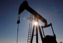 Photo of وسط غموض يلف الاقتصاد العالمي.. أسعار النفط تحظى ببصيص أمل